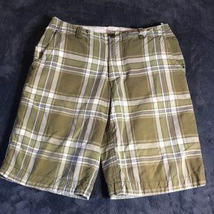 3/$20  Aeropostale Plaid Bermuda Shorts -sz 30